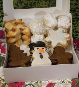 Christmas-cookies-in-box-2014